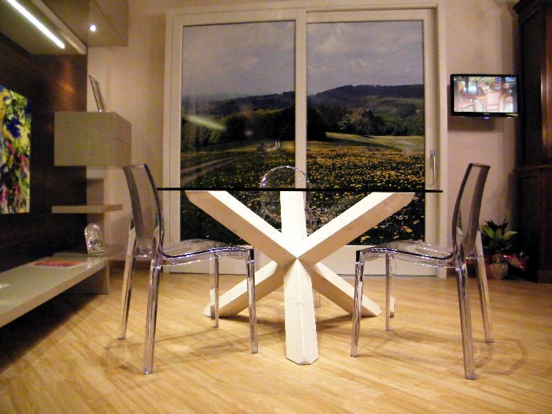 Galleria fotografica falegnameria ari arredamenti - Tavolo cristallo design ...